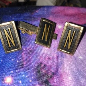 Swank tie bar and cuff links